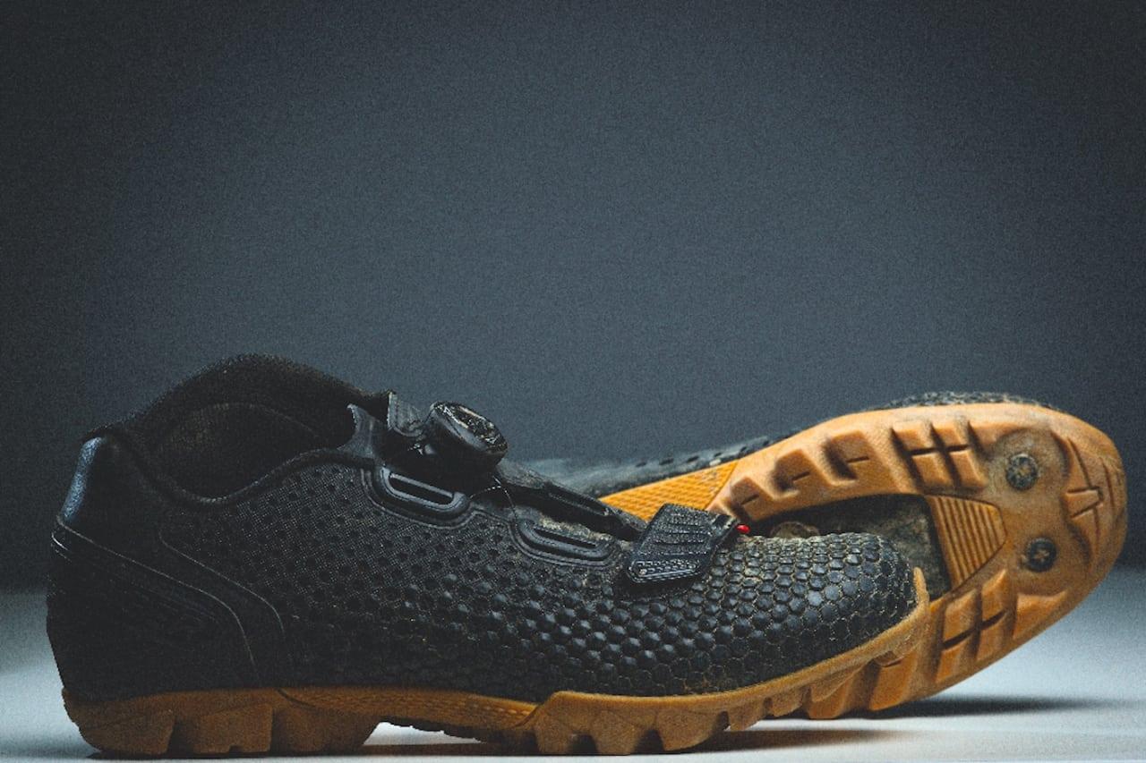 HØY: Bontragers Rythm-sko har en høy mansjett på innsiden av ankelen.