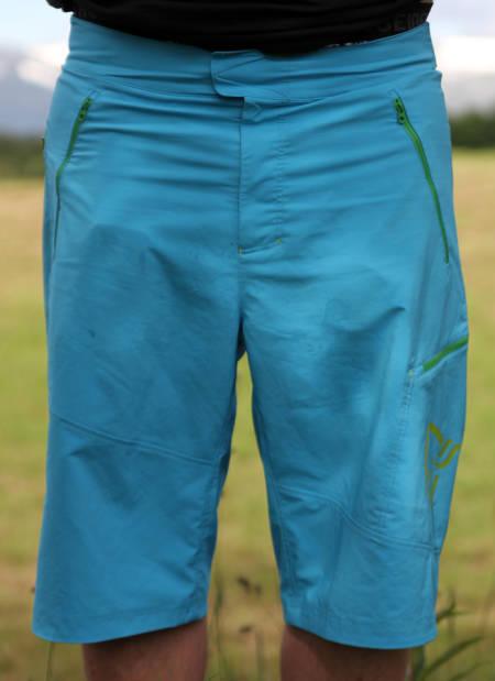 GODT BRUKT: Fri Flyt har brukt shortsen masse, og vi syns dette er bra greier! Foto: Maria Kerner.