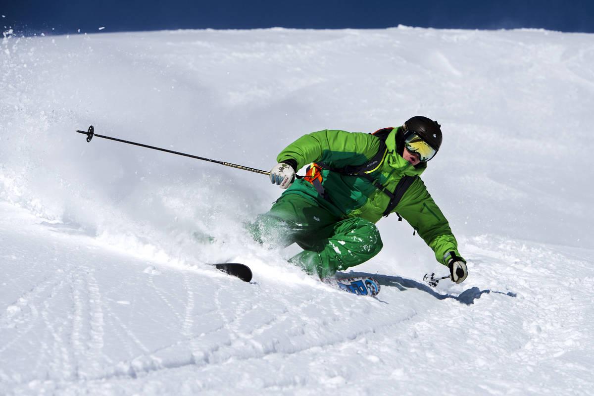 TESTING, TESTING: Det er gøy å teste skiklær når forholda er som på dette bildet. Foto: Martin Innerdal Dalen