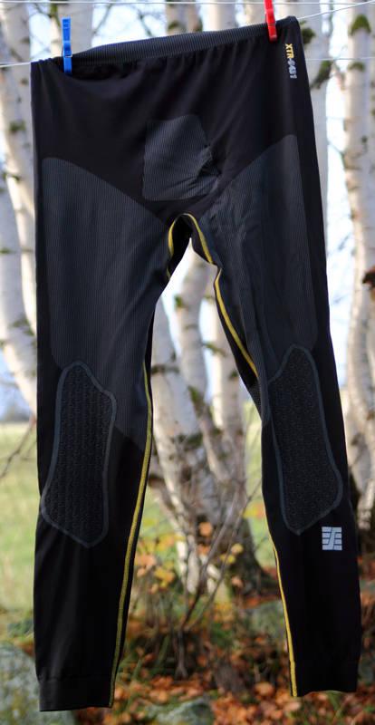 BUKSE: Mange dager på tørkesnora og aktivitet som vanligvis sliter tungt på klærne, har ikke gitt merkbar slitasje på superundertøyet fra Snickers. Foto: Tore Meirik