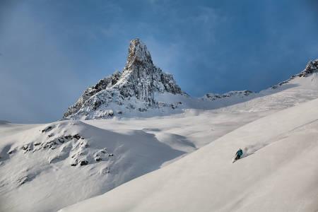 GI SOMMEREN FINGERN: Fra tidligtur til Fingeren, 1180 moh. Zermatt og Matterhorn blekner litt i forhold, eller hva? Foto: Håvard Myklebust