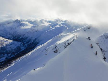 SUNNDAL: Utsikten fra toppen av Litjgladnebba (1446 moh) er relativt upåklagelig. Bilde: Christian Nerdrum