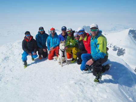 På storebjørn søndag, utrolig fin utsikt og kjempevær på toppen.