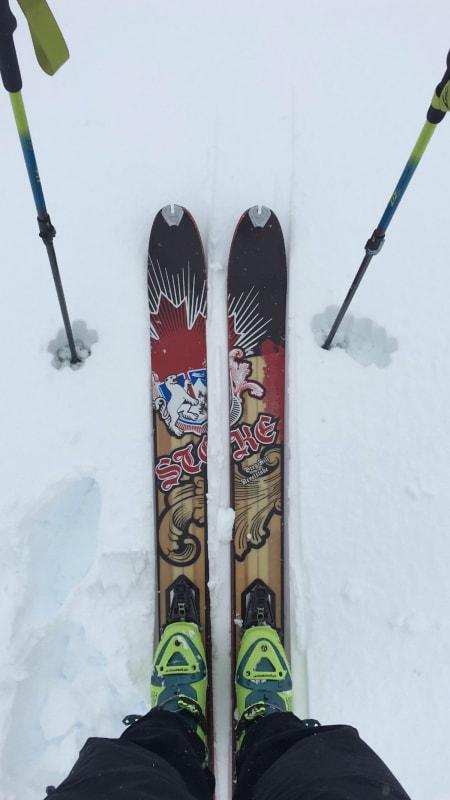 Med skia på beina på rundt 1400 moh. Foto: Andreas Strand Helland