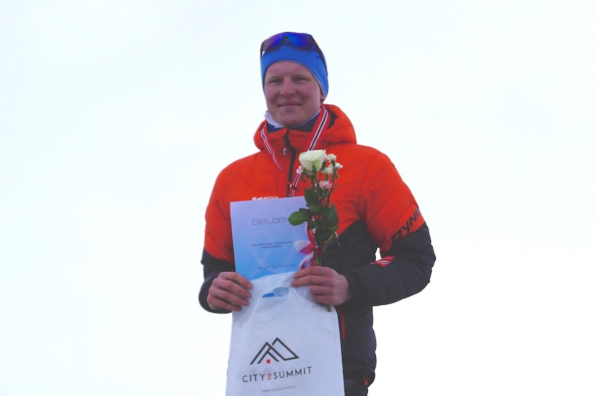 Sondre Svensli tok NM-gull i randonnée under Skittentind Rando sist helg. Det var ingen selvfølge. Foto: NSF/Arrangøren