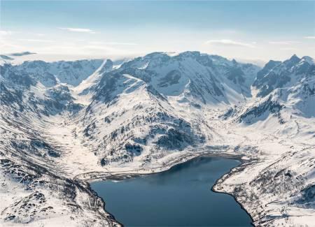 Midtfjellet sett fra nord. Foto: Jan R. Olsen. / Trygge toppturer.