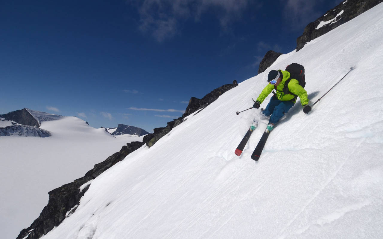 Galdhøpiggen jotunheimen topptur randonee haute route juvass besshøe besseggen topptur ski splitboard alpint