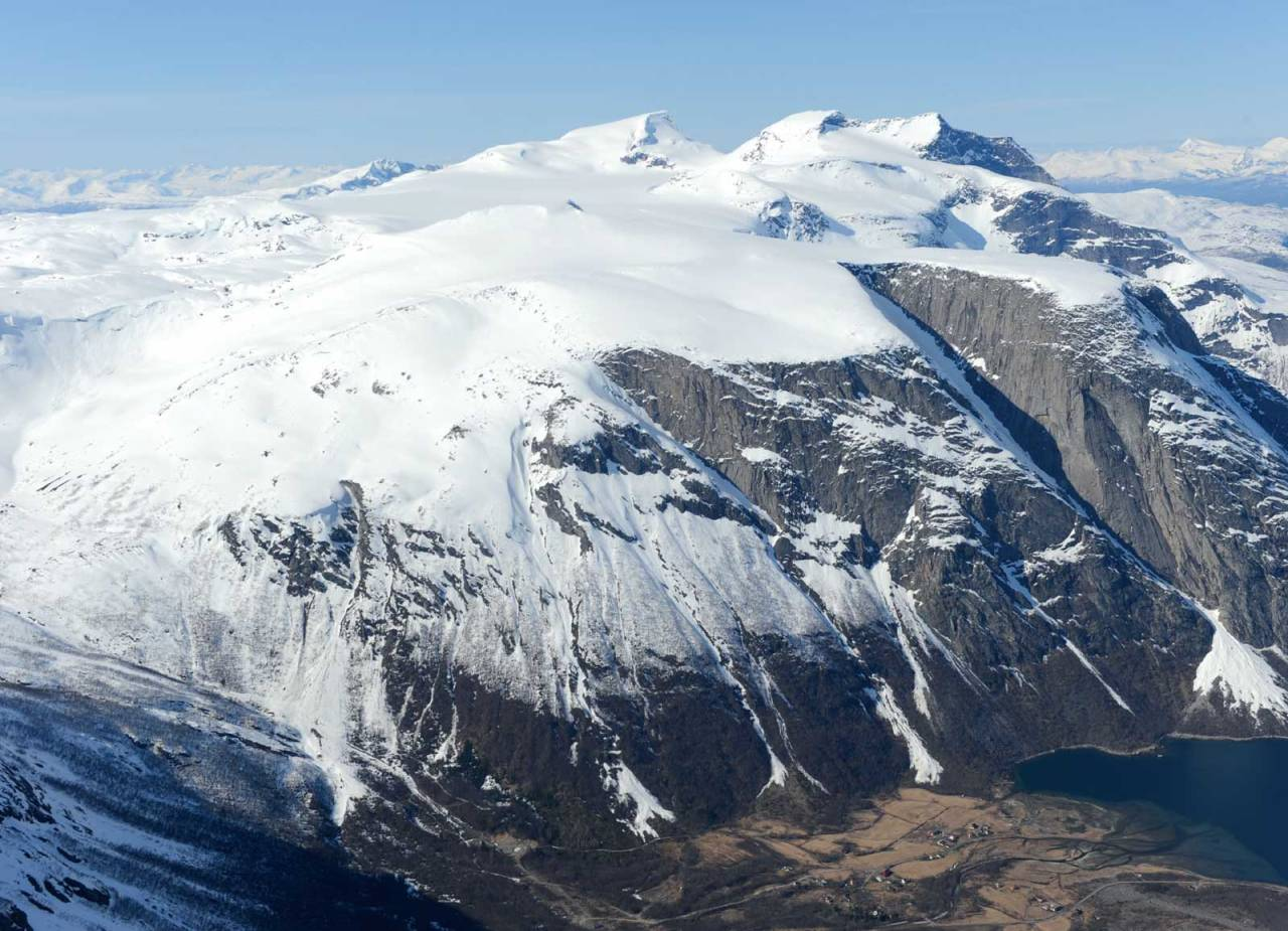 Gangnesaksla fra sør. Foto: Rune Dahl / Toppturer rundt Narvik.