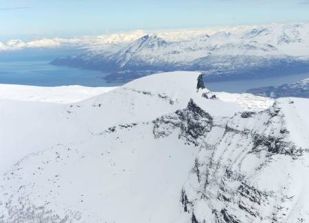 Keipen og Skorvetind fra sør. Toppen av Skorvetind vises rett under toppen av Keipen. Foto: Rune Dahl / Toppturer rundt Narvik.