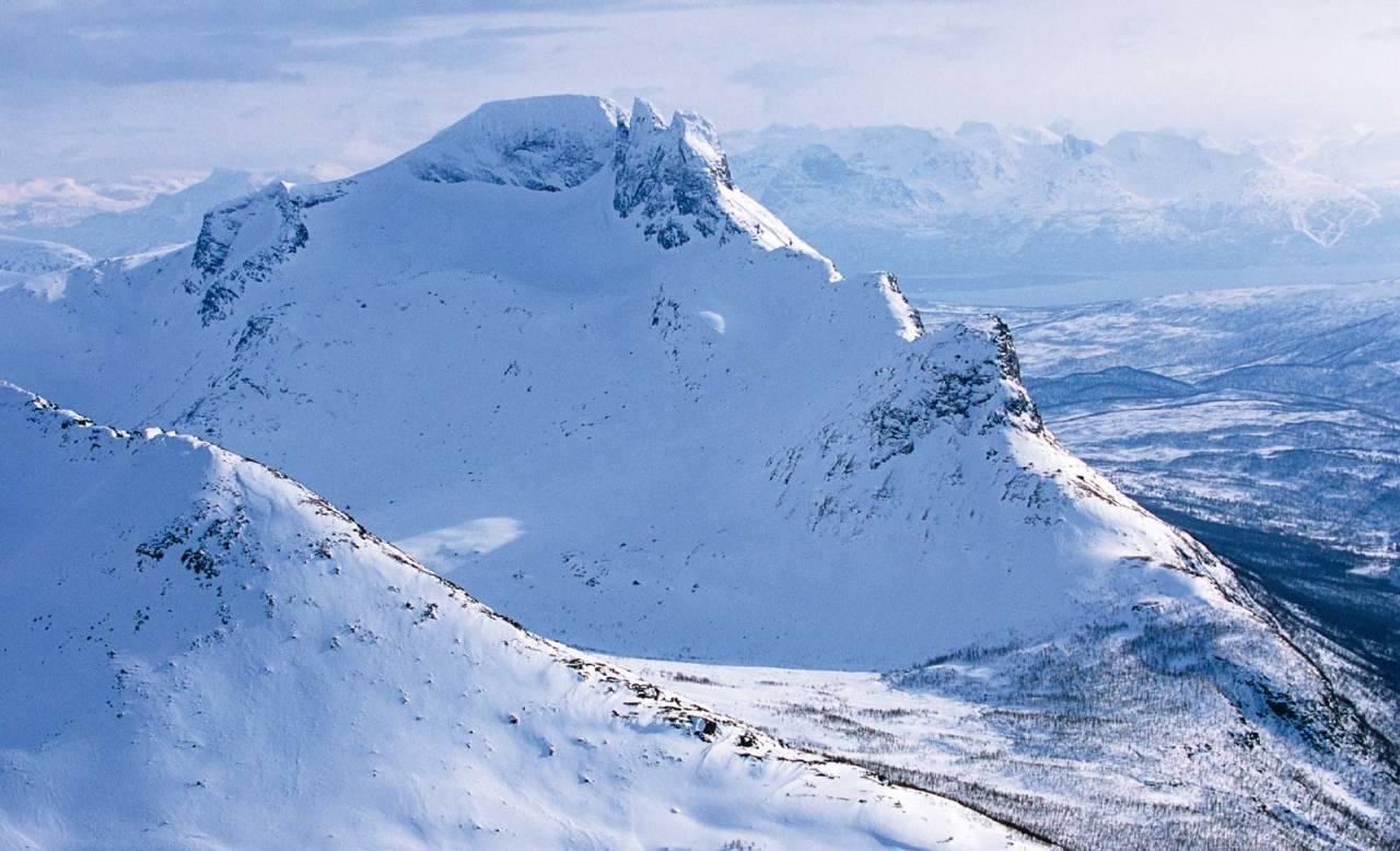 Revtind fra nord. Foto: Lars Thulin / Toppturer rundt Narvik.