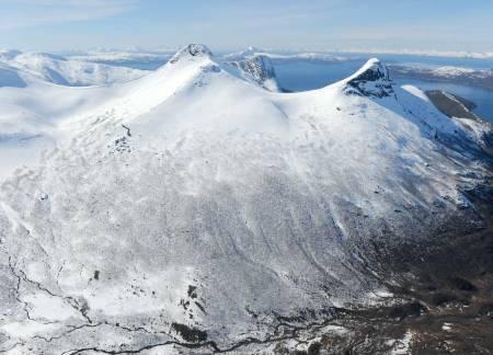 Titinden fra øst. Foto: Rune Dahl / Toppturer rundt Narvik.