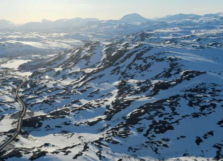 Bjørnfjell fra sørøst, sent på sesongen. Foto: Rune Dahl / Toppturer rundt Narvik.