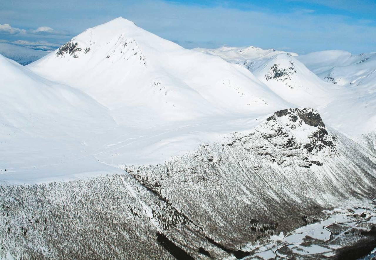 Kjøvskardtinden 1552 moh fra Toppturer i Romsdalen