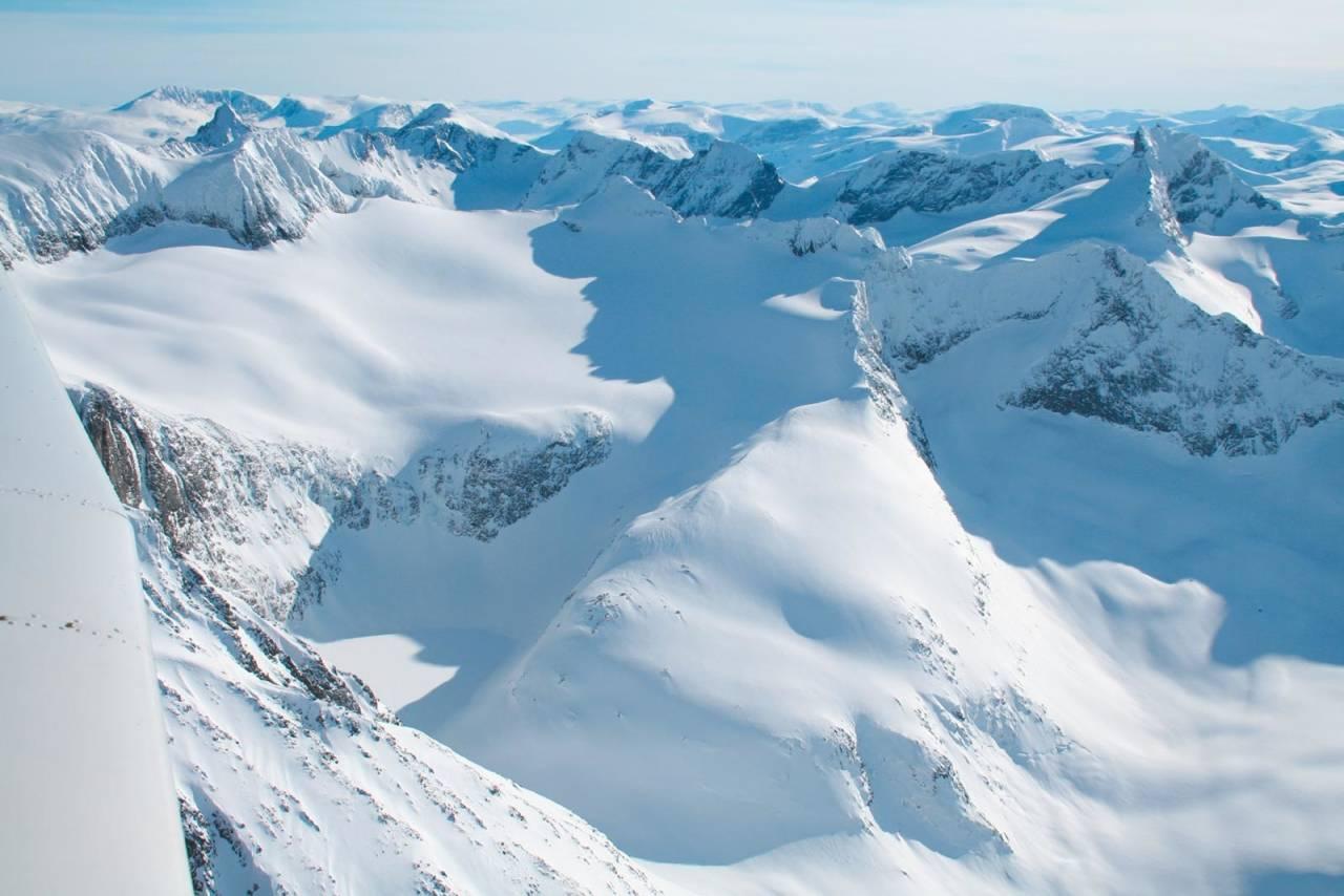 Sørflanken er en flott skibakke på en alpin topp. Her på en av de bedre dagene. Foto: Halvor Hagen