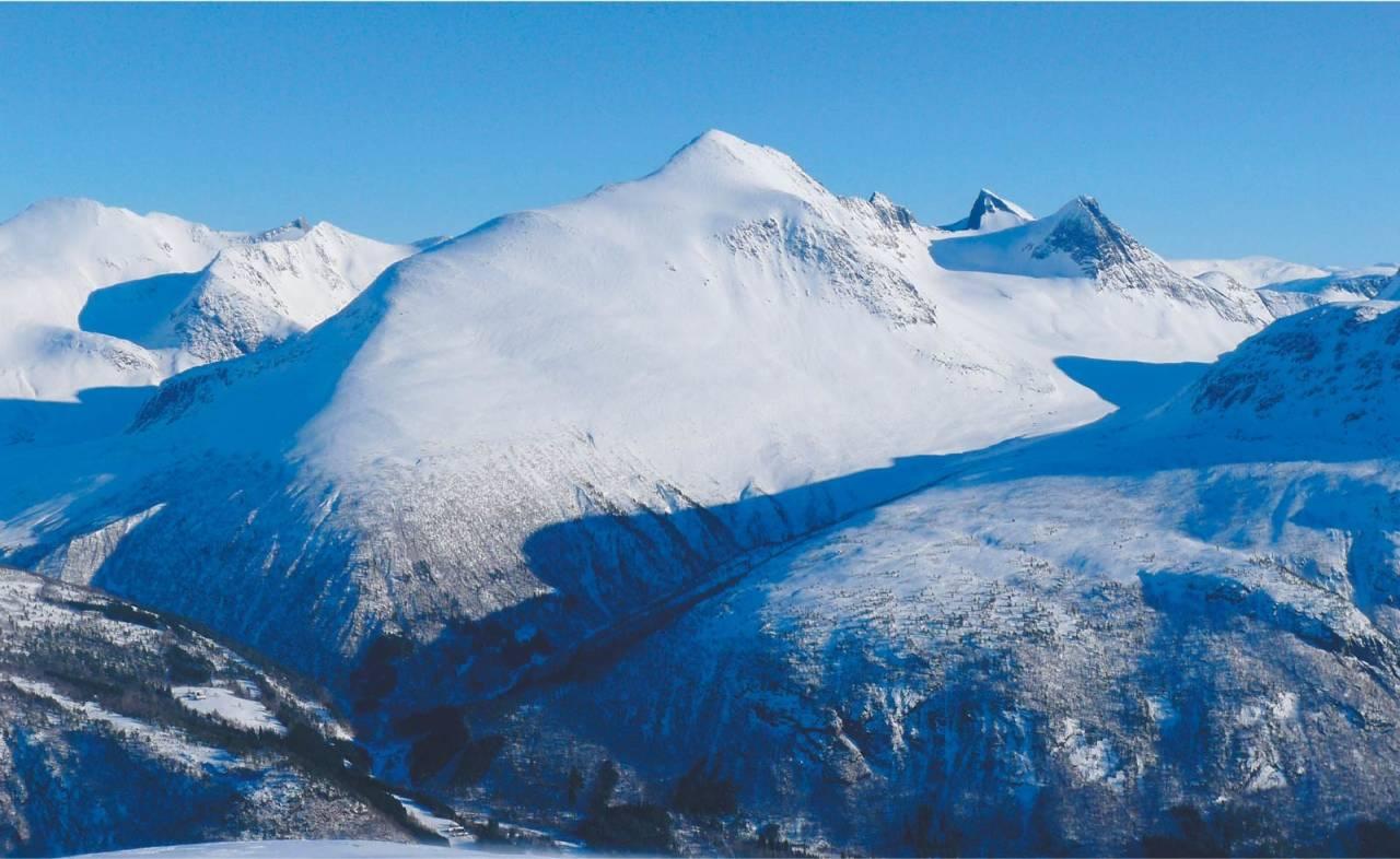 Skjorta 1711 moh fra Toppturer i Romsdalen