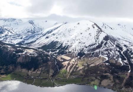 Olahansfjellet sett fra nord. Foto: Espen Schive. / Trygge toppturer.
