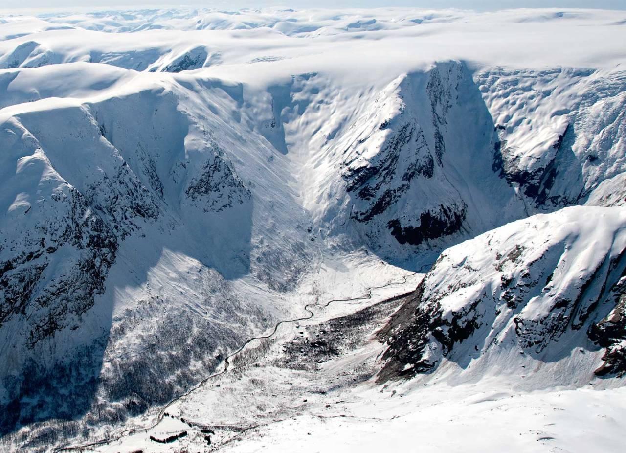 Bergsetdalen heiter den innerste delen av Krundalen. Foto: Bjørnar Bjørhusdal. Toppturar i Sogn.