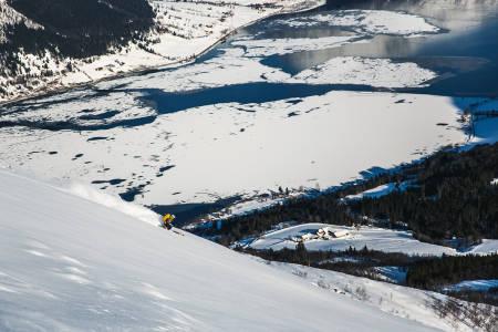Nedkjørong på ski Jølstravatnet