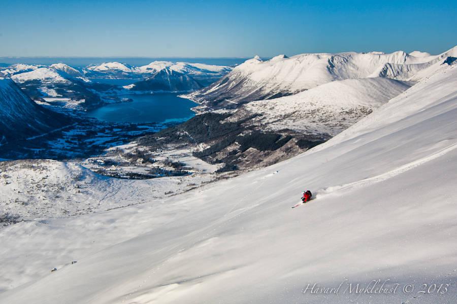 frikjøring ørsta skisenter fjord sunnmøre freeride guide ski pudder