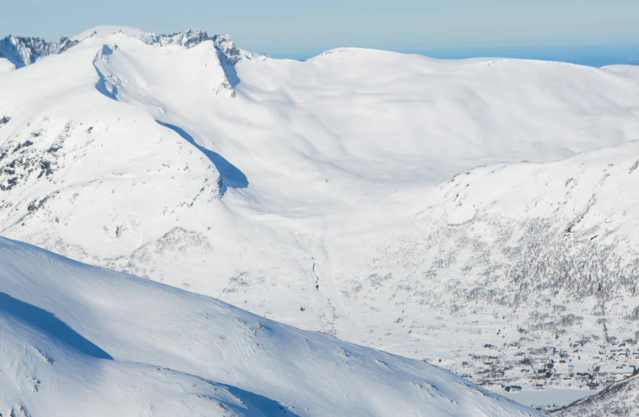 Rutar opp og ned frå Sætrevatnet. Foto: Håvard Myklebust.