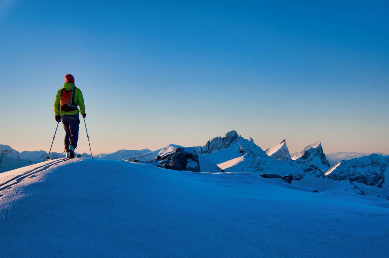 Like før toppen av Dalmannshornet møter du synet av desse tre sunnmørsprofilane. Foto: Håvard Myklebust.