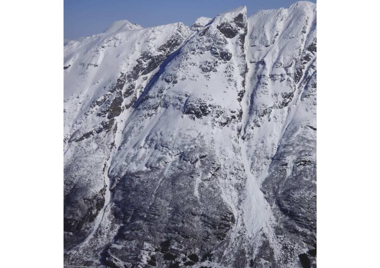 Åtinden 1108 moh fra Toppturer rundt Harstad