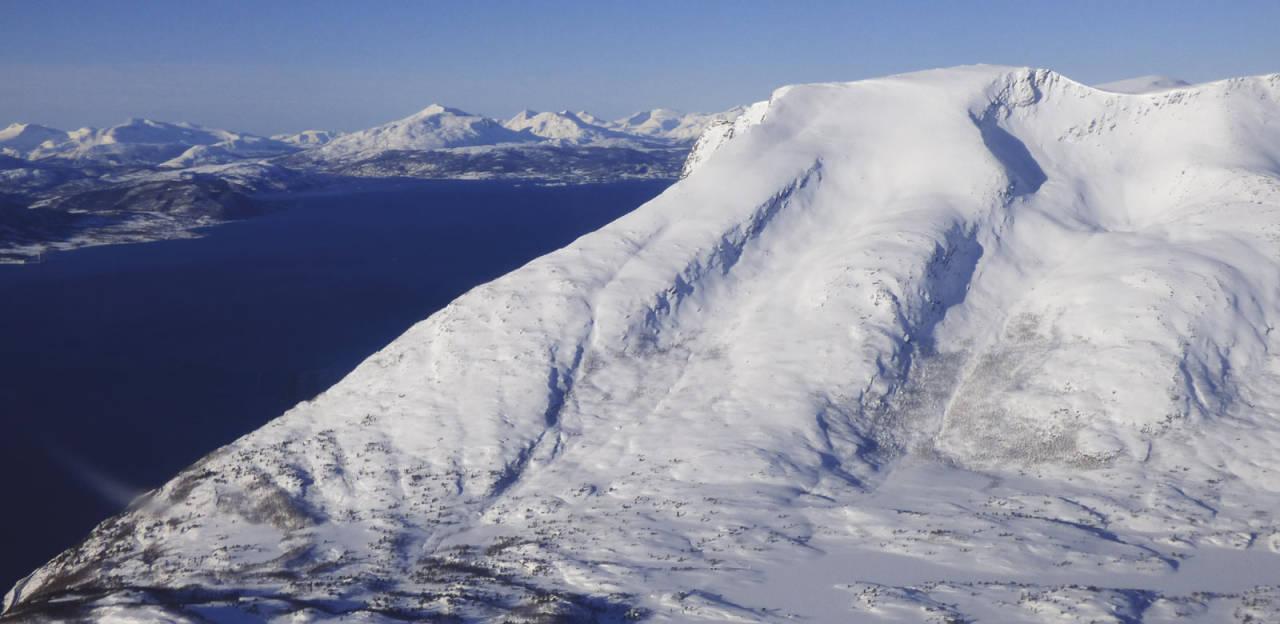 Lasselitinden 896 moh fra Toppturer rundt Harstad