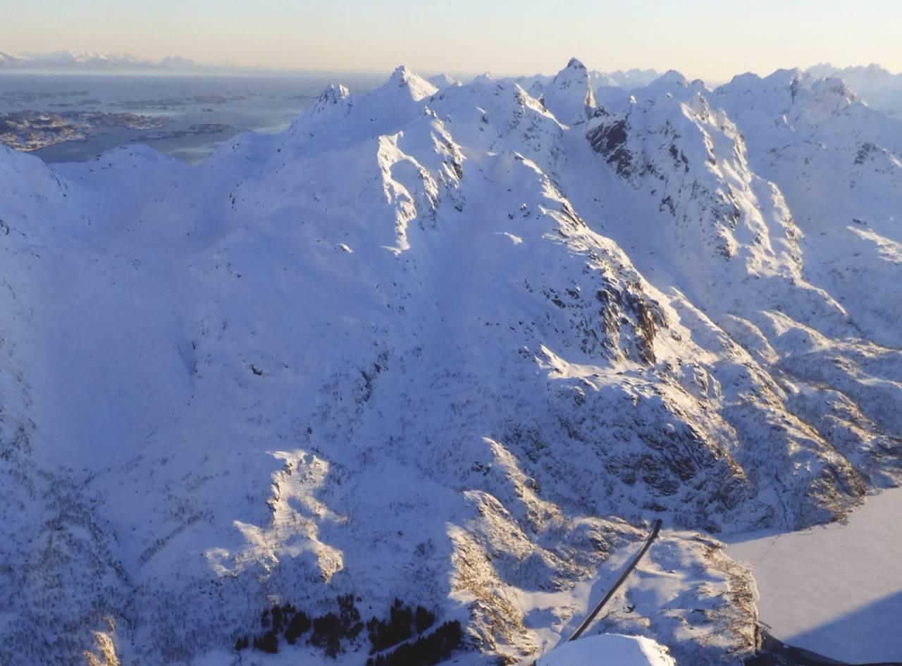 Viktindan 825 moh fra Toppturer rundt Harstad