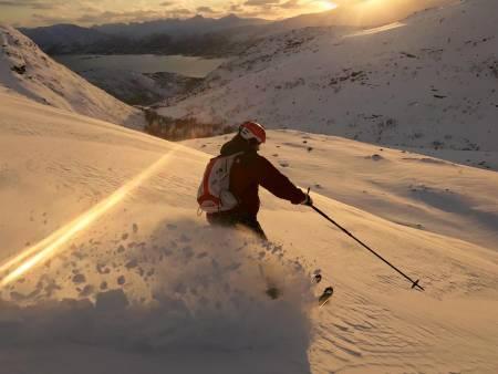 Forfatter cruiser ned Trollfjellet. Foto: Ellen Merethe Høgsæt.