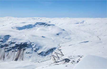 Finnbufjellet sett fra nord. Ruta viser oppstigning fra samecampen. Foto: Espen Schive. / Trygge toppturer.