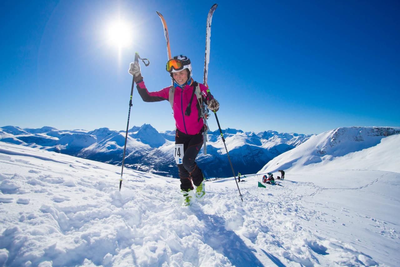 FØRSTE TOPP: Elin Espvik fra Kristiansund var første dame på toppen av Galtåtind. Foto: Daniel Kvalvik