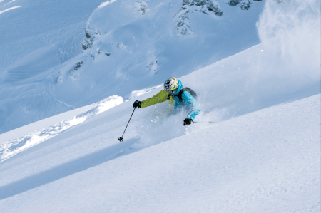 OPPSUMMERT: Len deg inn i svingen, skyv høyre ski fram, trykk på ytterski, legg vekt bakover, armen fram og opp, spenn opp skia, nyt øyeblikket og repeter øvelsene fra bilde 1 til 6. Alle foto: Simen Berg