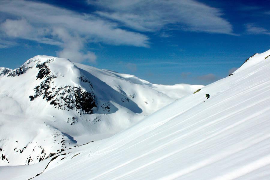 FRUDALSHESTEN: Her kan du finne strålende forhold tidlig på vinteren. Foto: Bjørnar Bjørhusdal