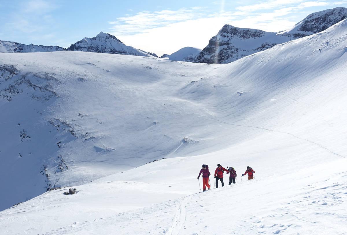 VÆR KLAR: Tiden for store opplevelser til fjells nærmer seg. Jo bedre forberedt du er, jo finere blir turene du går. Foto: Tore Meirik