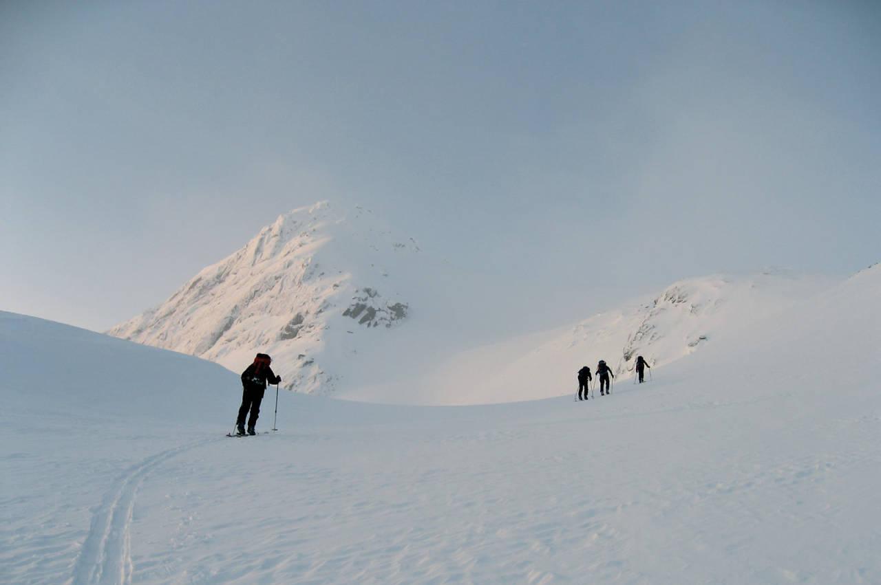 Januar i Beiarn med Leiråtind som dagens mål. Foto: Ragnhild Fjørkenstad. / Toppturer rundt Bodø.