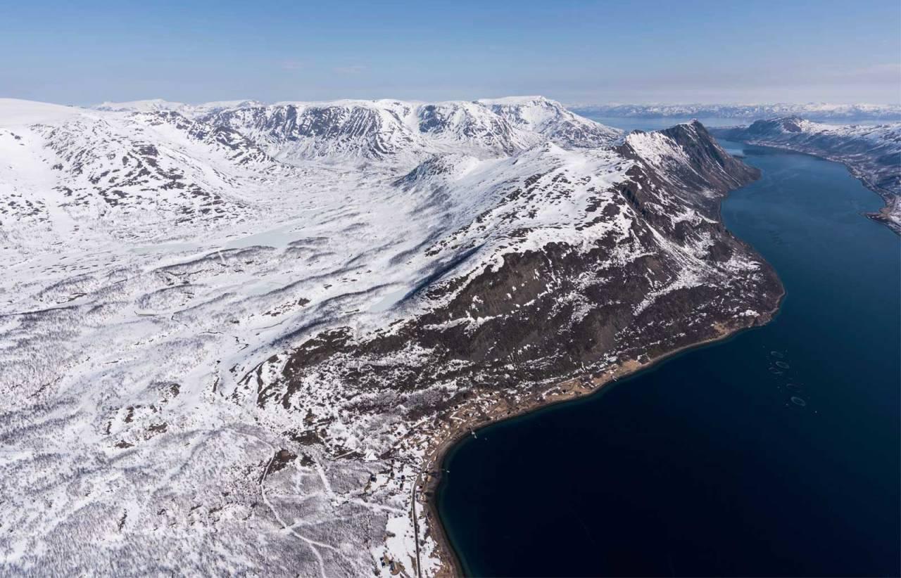 Aspenesfjellet fotografert fra sørvest. Foto: Jan R. Olsen. / Trygge toppturer.