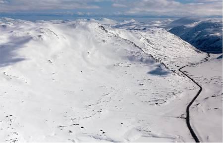 Slettind sett fra nord. Foto: Thomas B. Svendsen. / Trygge toppturer