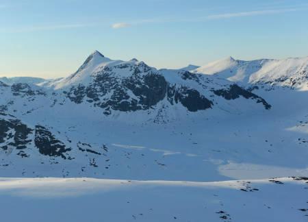 Huinnarčohkka fra sør. Foto: Rune Dahl / Toppturer rundt Narvik.