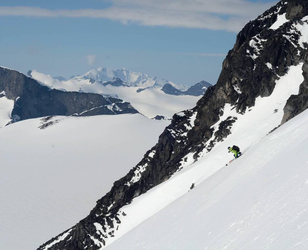 Nedkjøring fra Bukkeholsbandet. Foto: Scott Rinckenberger / Høgruta i Jotunheimen.
