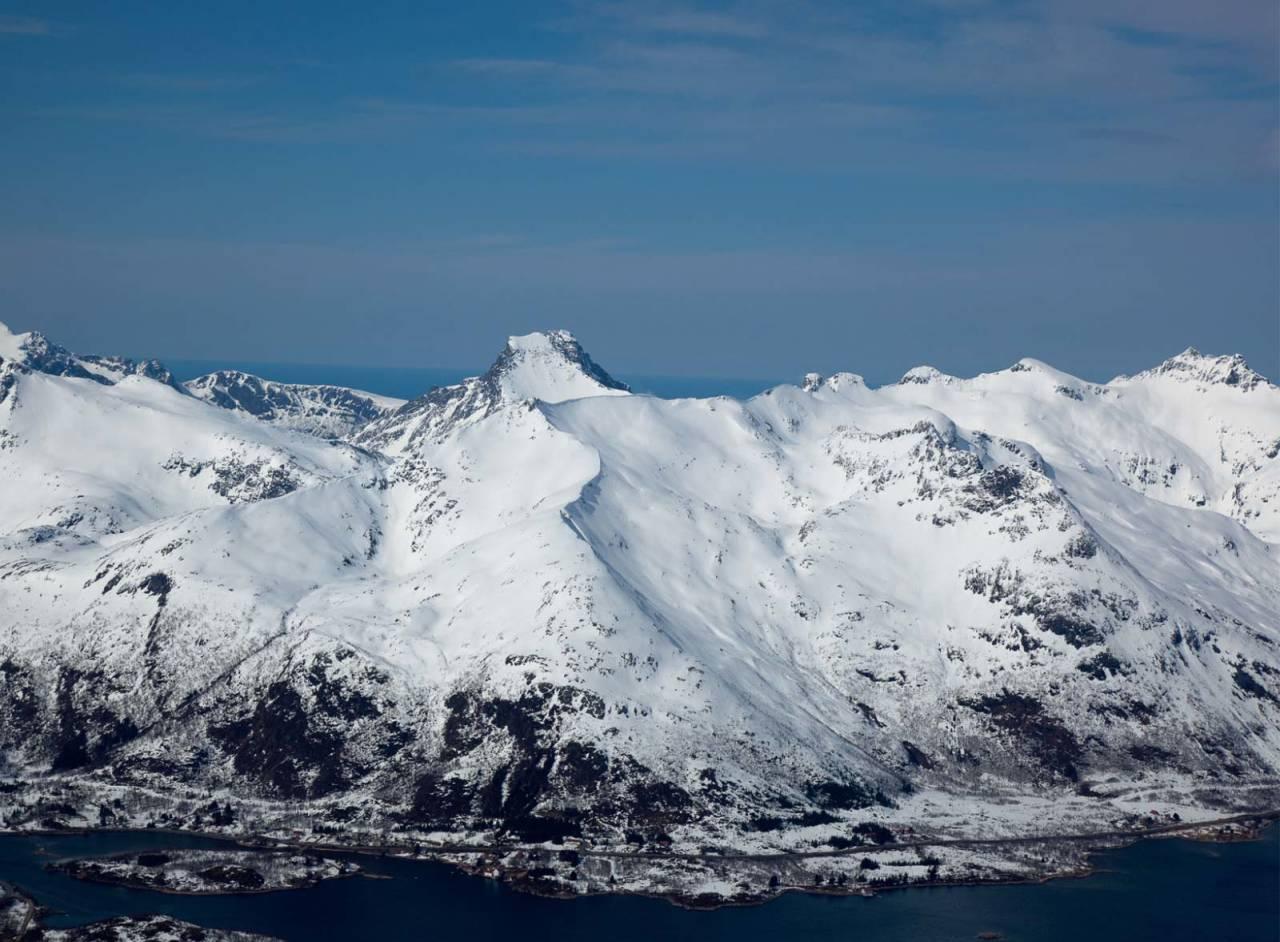 Kistbergtinden sett fra sørøst. Foto: Espen Mortensen. / Trygge toppturer.