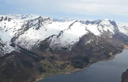 Ronsfjellet sett fra vest. Foto: Thomas Martinussen. / Trygge toppturer.