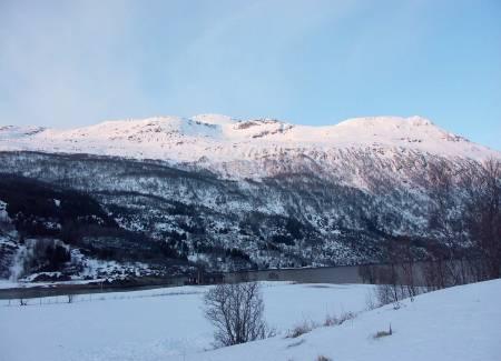 Årsteinhornet fra sørvest. Foto: Mikael af Ekenstam / Toppturer rundt Narvik.