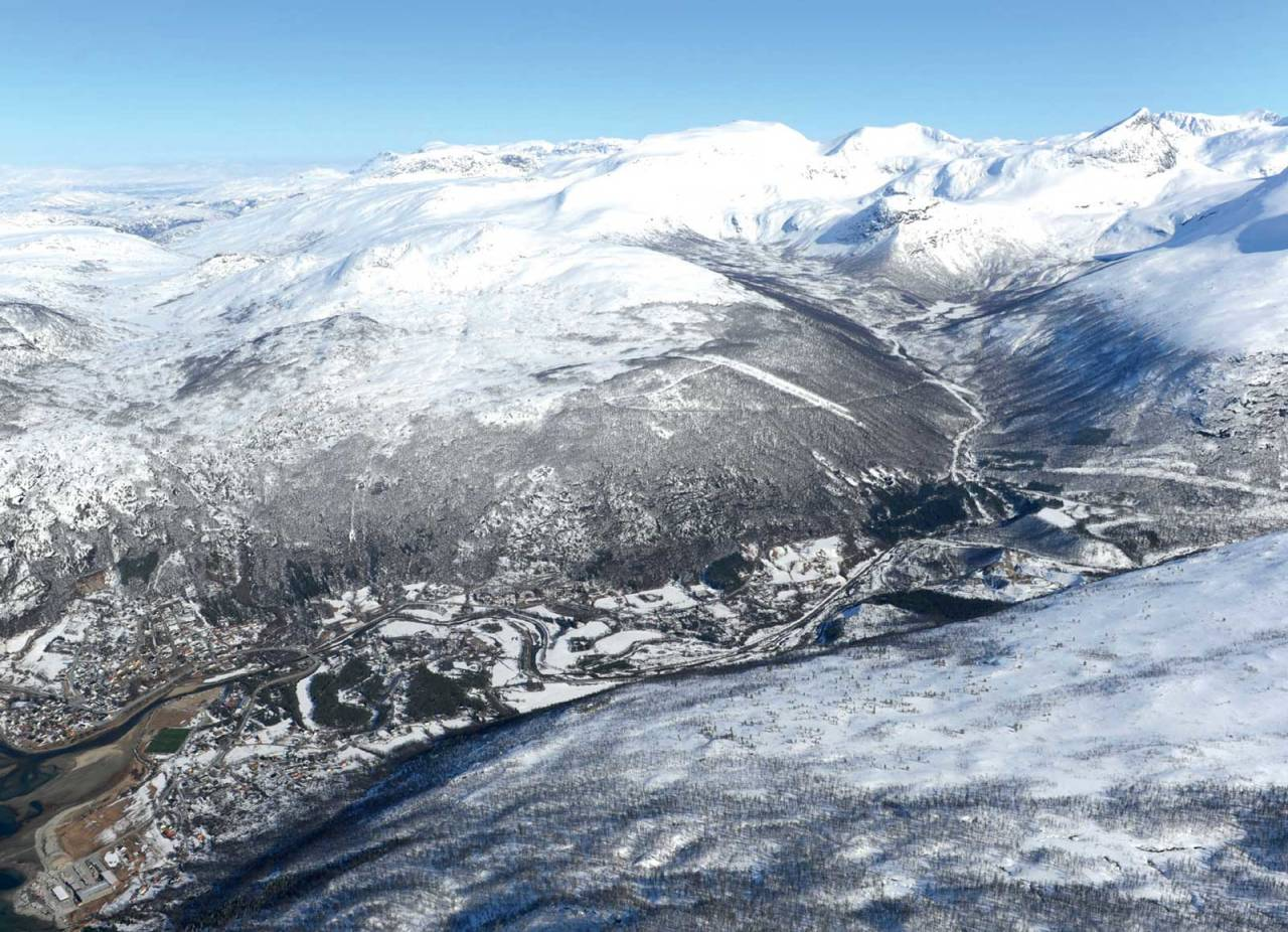 Raudtinden fra nordvest. Foto: Rune Dahl / Toppturer rundt Narvik.