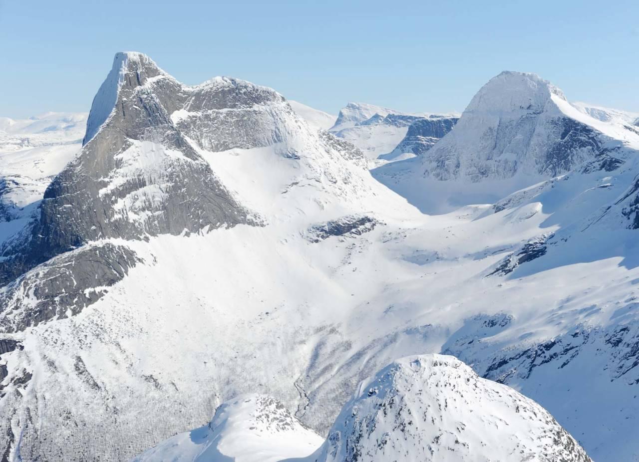 Stetinden fra vest. Skituren stopper ved Halls fortopp. Foto: Rune Dahl / Toppturer rundt Narvik.