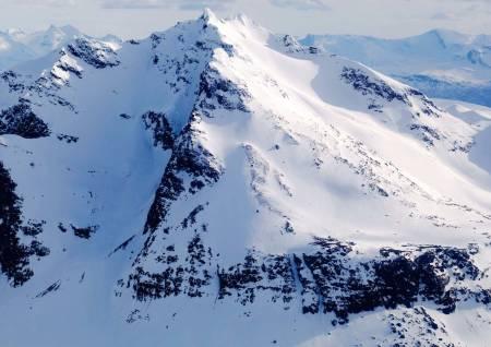 Rivtind fra nord. Foto: Jan-Arne Pettersen / Toppturer rundt Narvik.