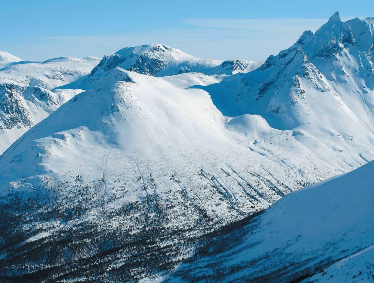 Hurrungen sett fra nord. Foto: Halvor Hagen. / Trygge toppturer.