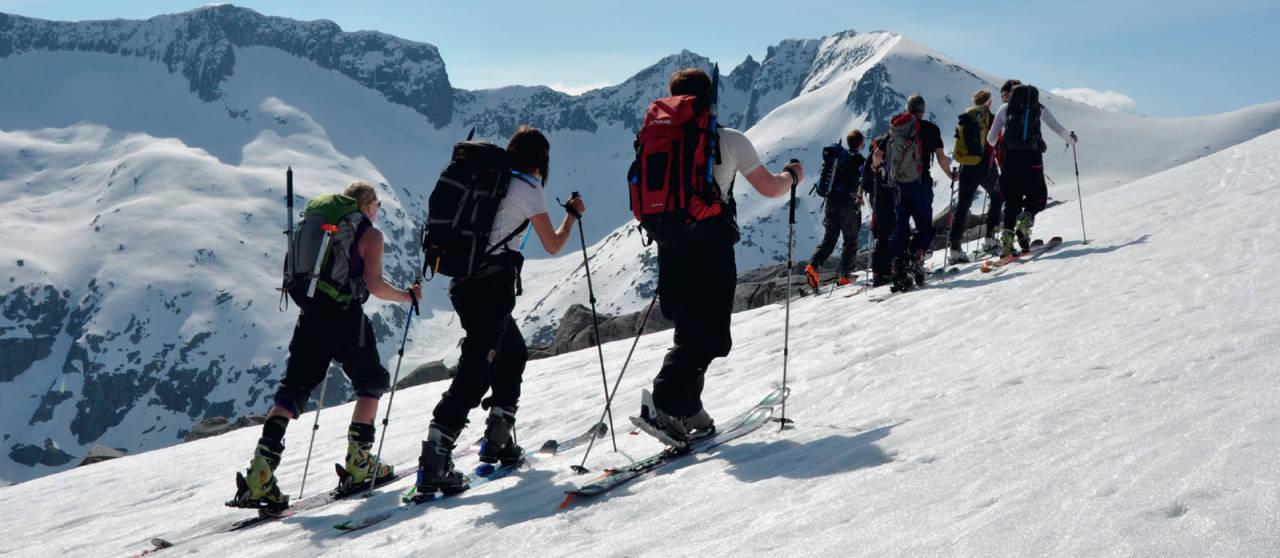 Omnatind er populær på de fineste skidagene. Foto: Sandra Lappegard. / Toppturer i Sørvest