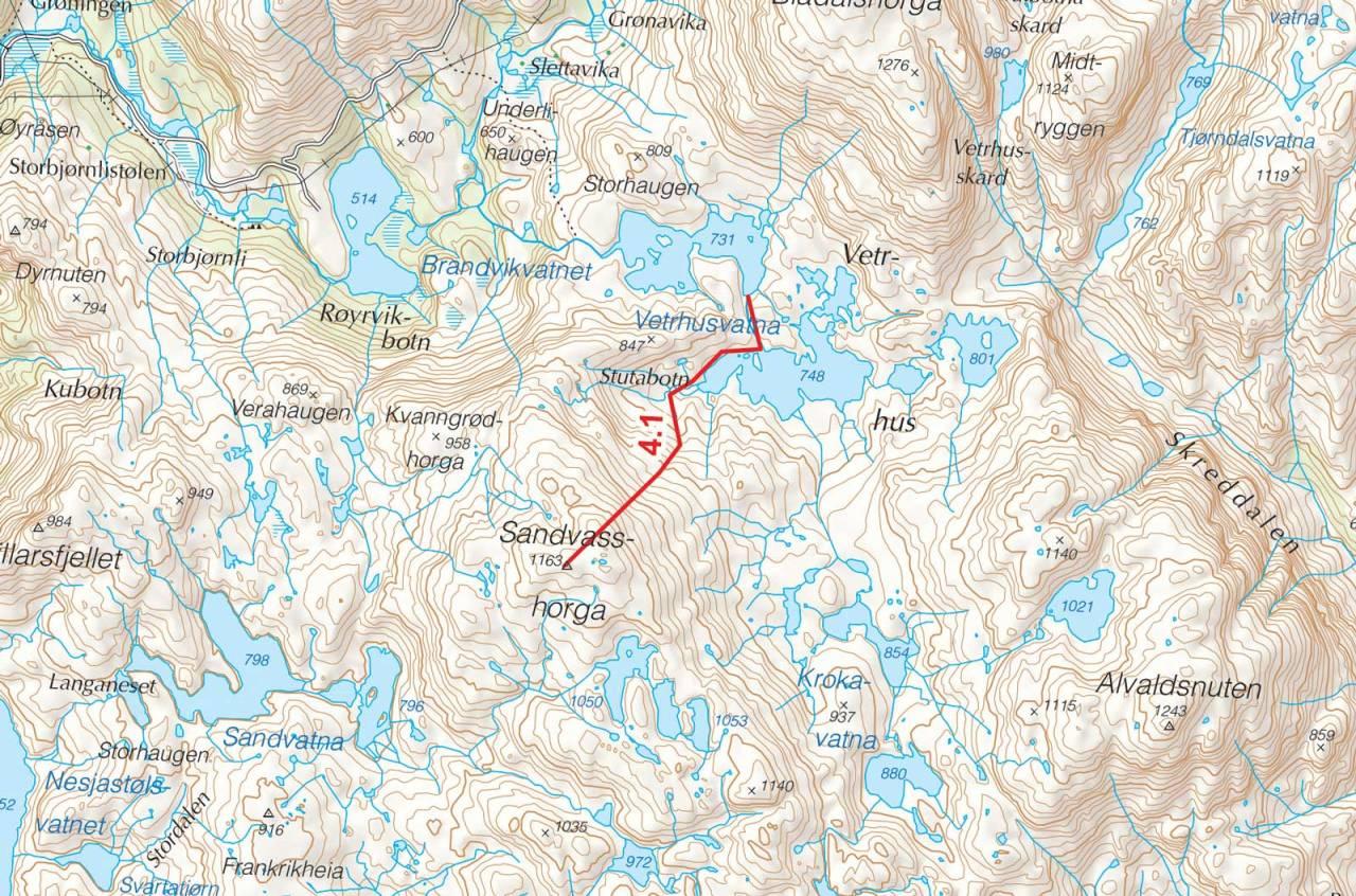 Kart over Sandvasshorga med inntegnet rute. Fra Toppturer i Sørvest.