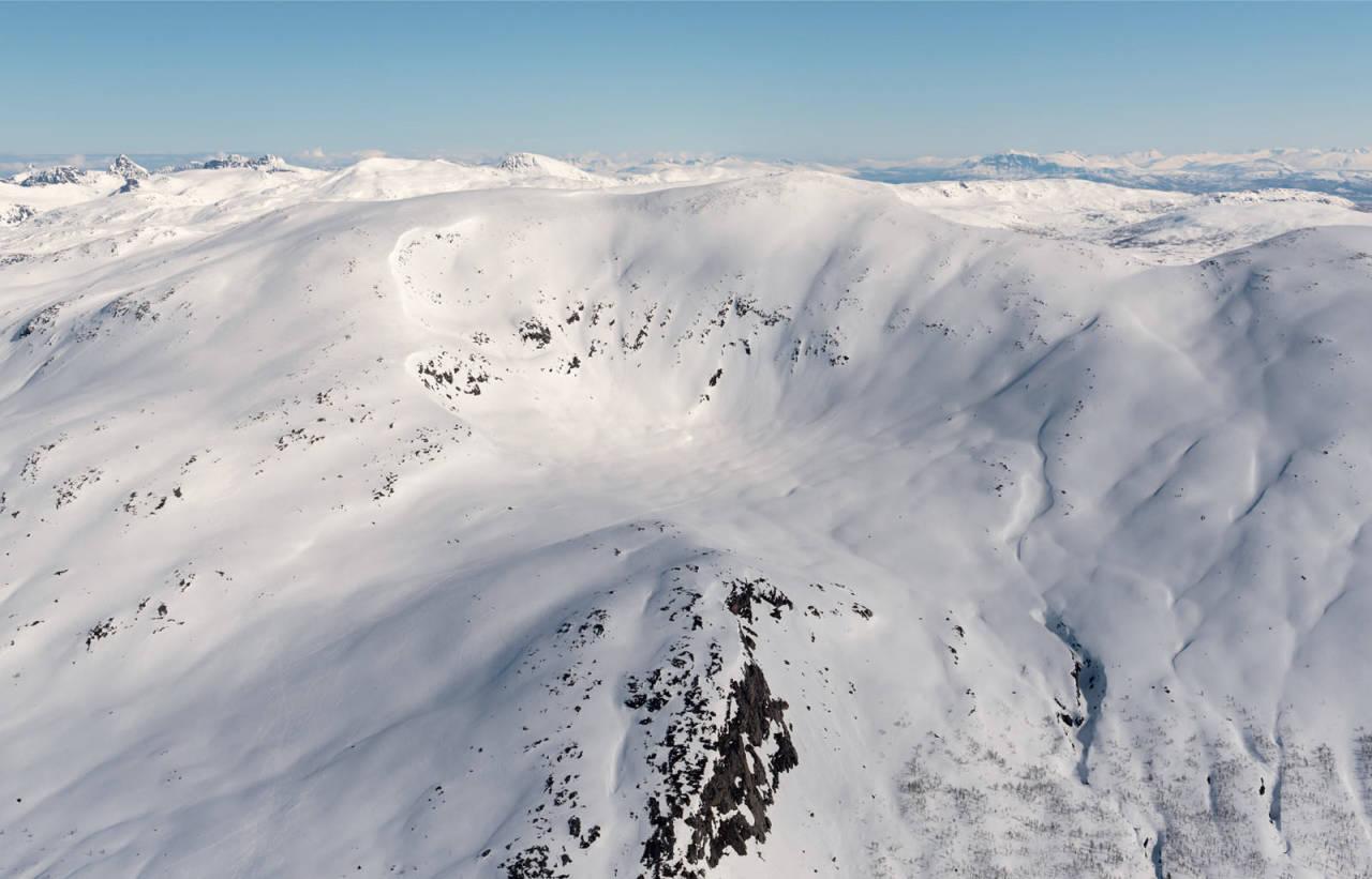 Tredje Svanfjell fotografert fra sørvest. Foto: Jan R. Olsen. / Trygge toppturer.