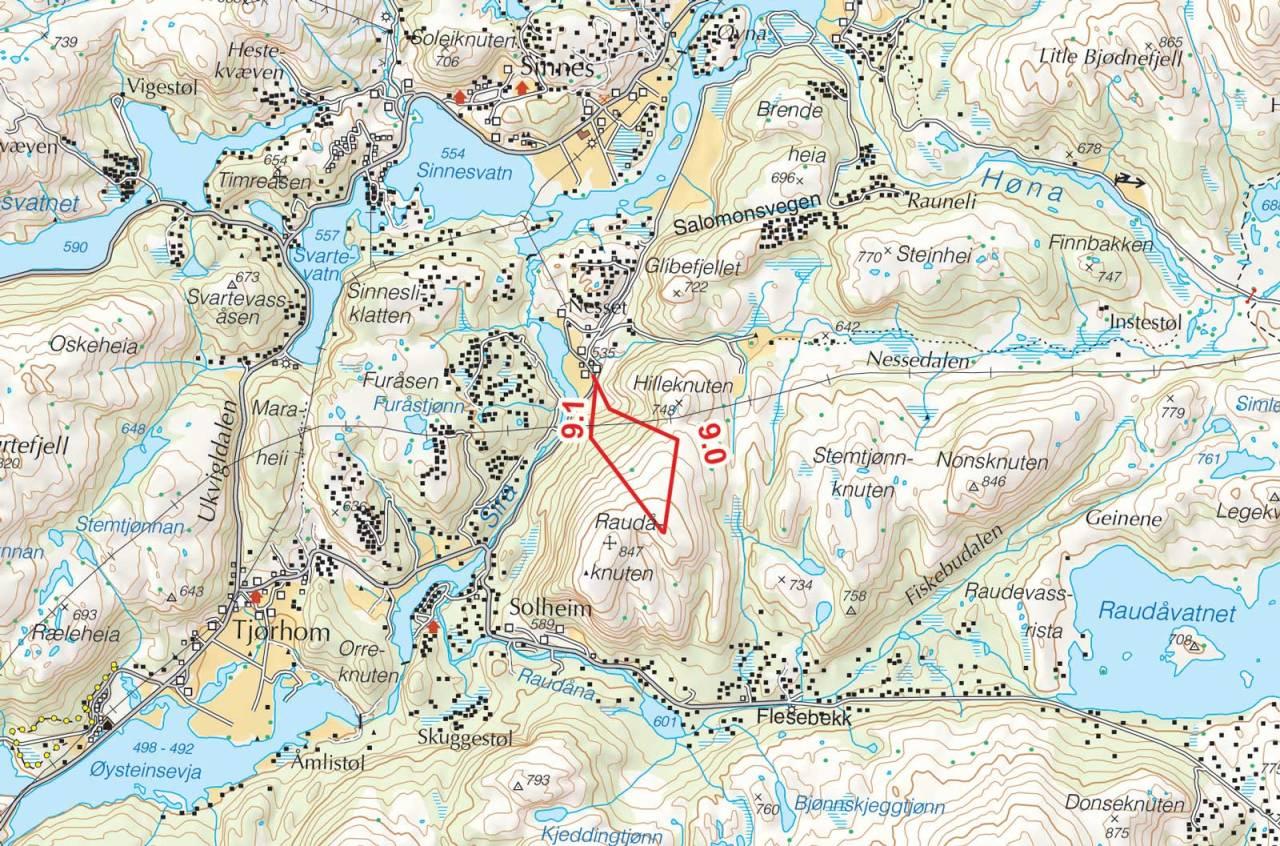 Kart over Raudåknuten med inntegnet rute. Fra Toppturer i Sørvest.